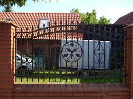 Kovácsolt vas kerítés