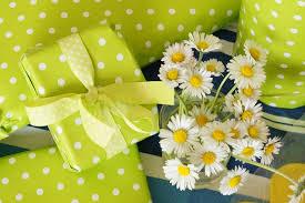 A felnőttek is örülnek a születésnapi ajándéknak