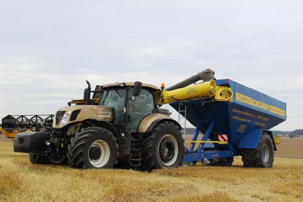 cseh egytengelyes traktor